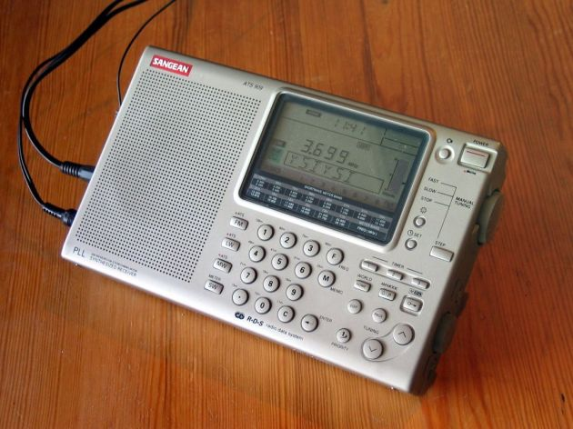 Sangean ATS-909 worldband receiver © 1996 Mysid