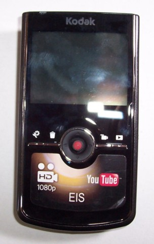 Kodak zi8 HD compact digital camera (Photo credit: Ebay)