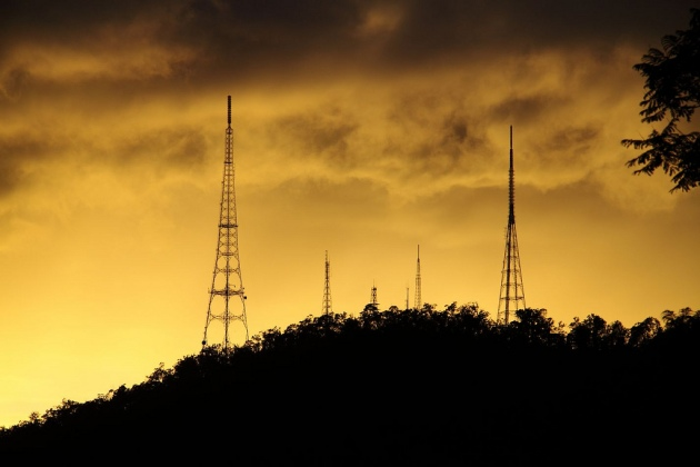 Sunrise, Mt Coot-tha © 2009 Angus Veitch