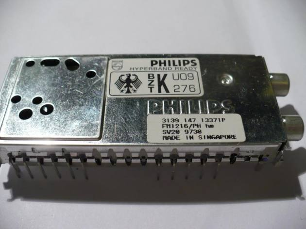 FM1216 tuner module © 2013 Max's Depot