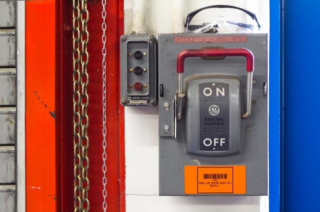 Don't Turn It Off! © 2010 dirac3000