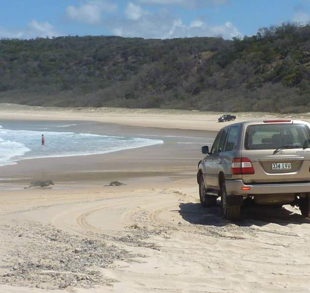 4WD beach route between Middle Rocks & Double Island Pt © 2014 FM DXing
